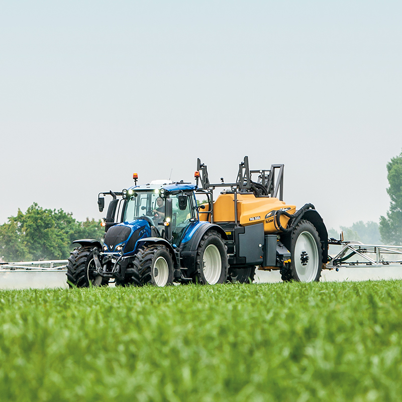 valtra tractor field agcontrol